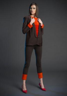 Pantaloni skinny con risvolti a contrasto