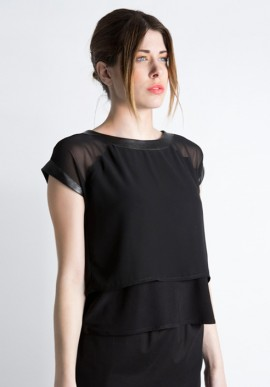 Black t-shirt in chiffon