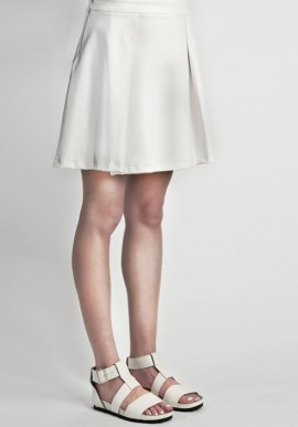 Flared skirt white