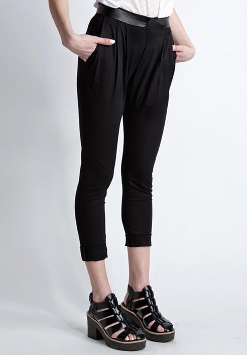 Long trousers black