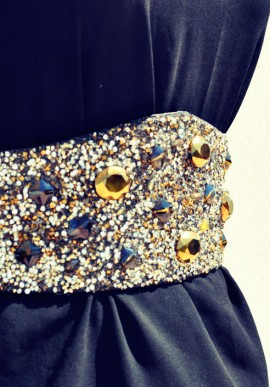 Belt with crystals and pearls