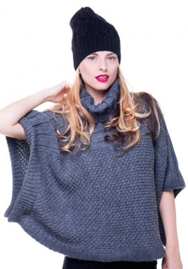 Roll-neck capelet