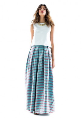 Long and wide skirt