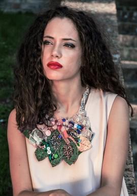 Collana di perle in stoffa