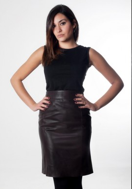 Knees lenght leather skirt