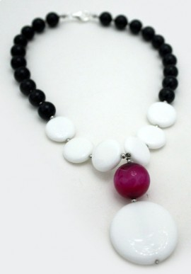"Onix Necklace ""Luna"""